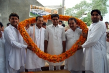 <h5> Election Campaign with Shri Dheepender Hooda, 2009</h5>